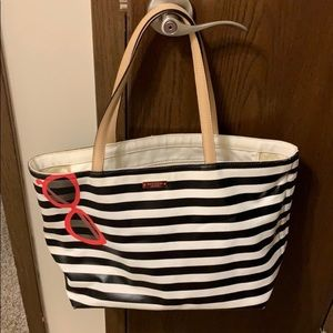 Kate spade stripe sunglasses purse